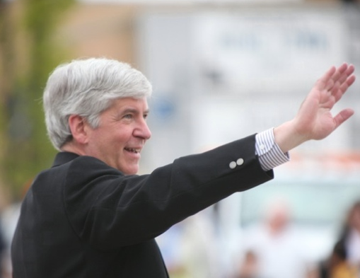 GOP governors bailing out on Mitt Romney: Is Rick Snyder keeping Romney at arm's length?