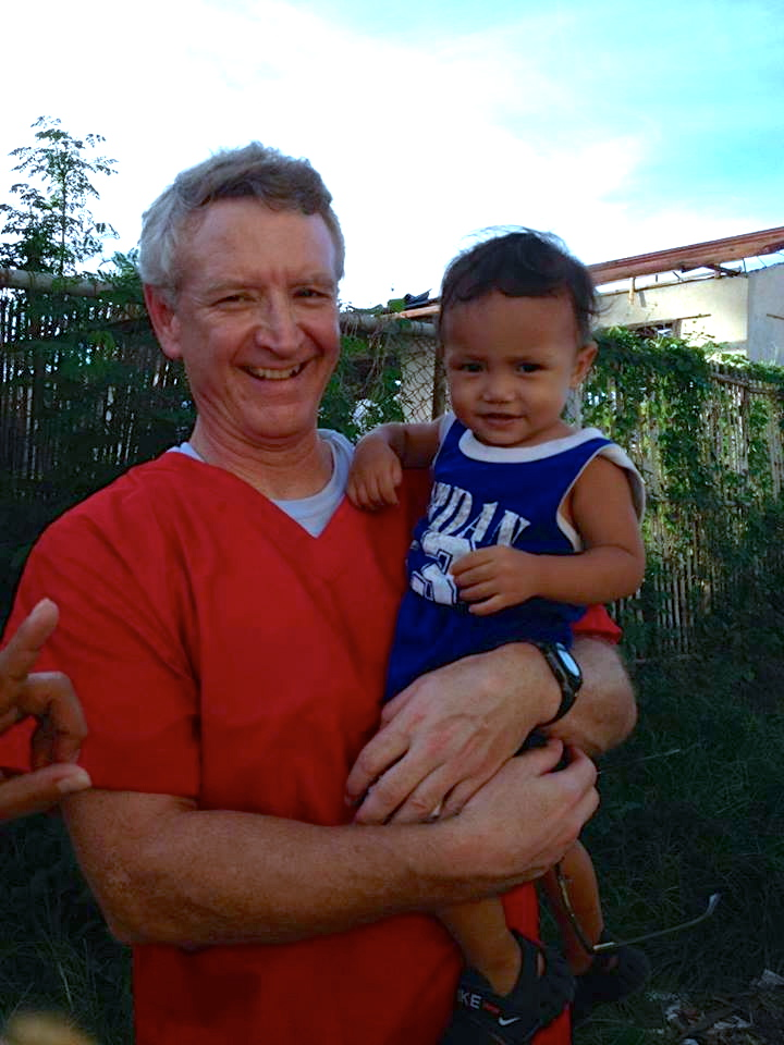 Michigan nurse shares his experience volunteering in the Philippines
