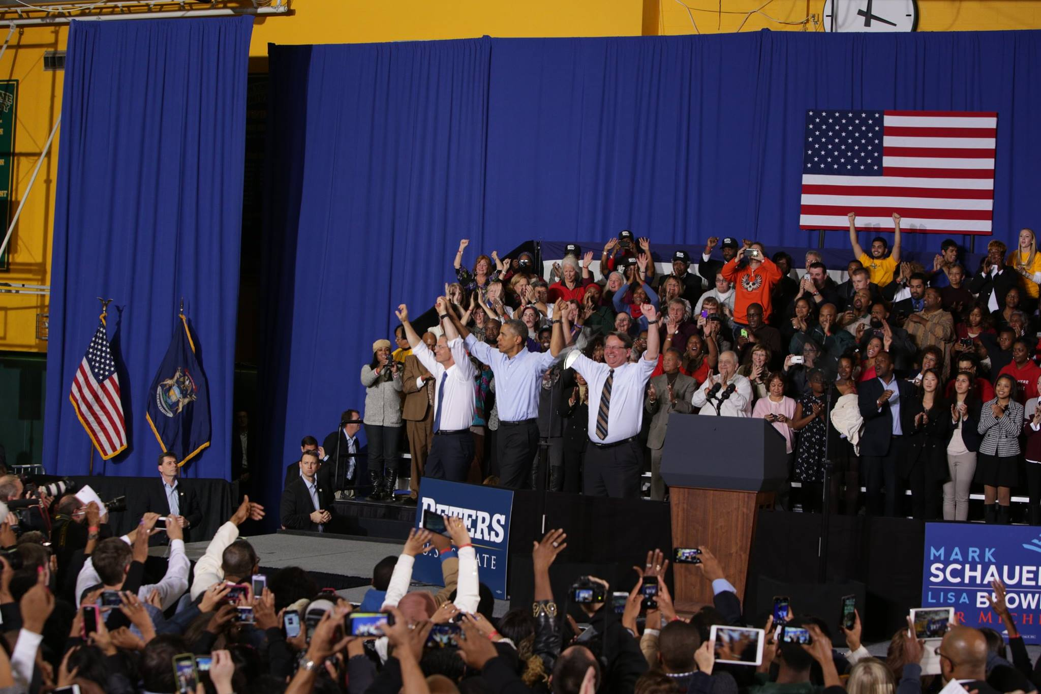 Guess which Michigan candidates had 6,000+ people rally for them yesterday. HINT: it wasn't the Republicans.
