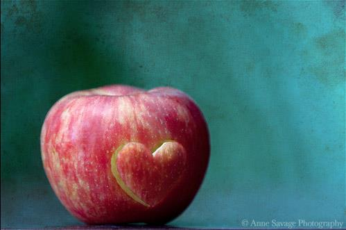 GUEST POST: The Paradox of the Apple