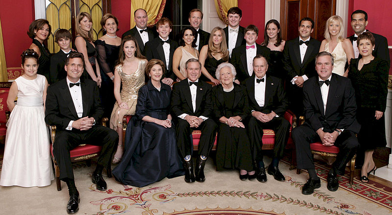 800px-George_W._Bush_and_family