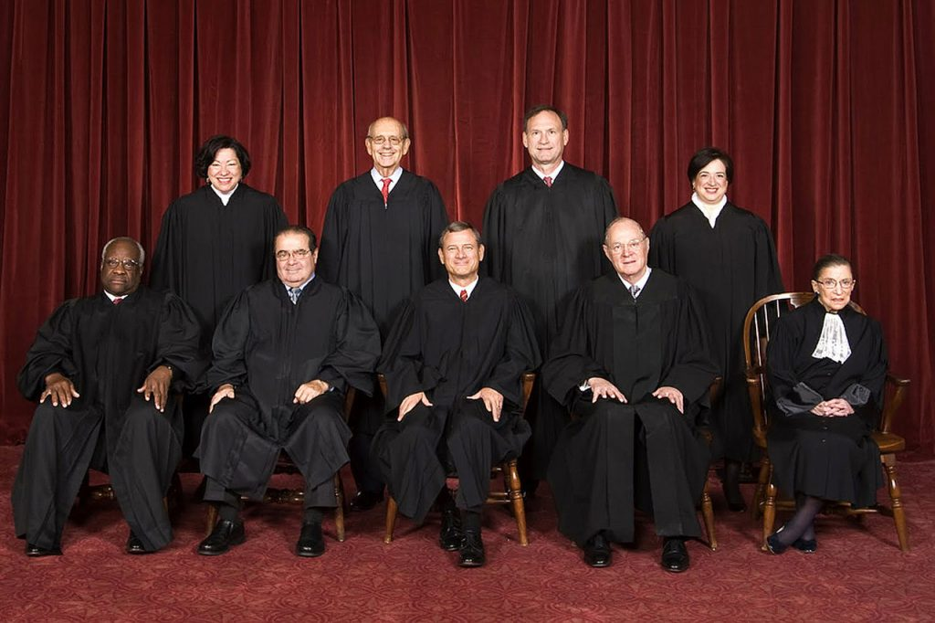1280px-Supreme_Court_US_2010