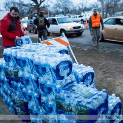 Judge compels State and City to distribute bottled water during #FlintWaterCrisis, Snyder admin responds by fighting it